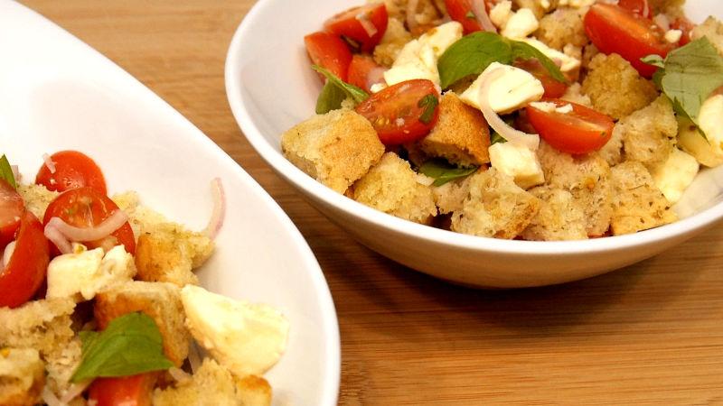 Brotsalat - schnell und einfach mit Ciabattabrot zubereitet