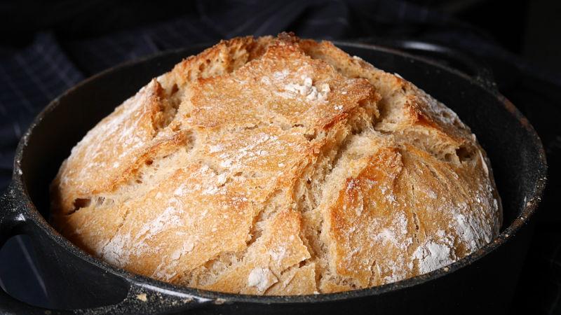 No-knead-bread mit Weizengrieß