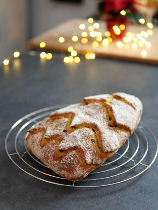 Brot an Weihnachten – als Tannenbaum ein Hingucker