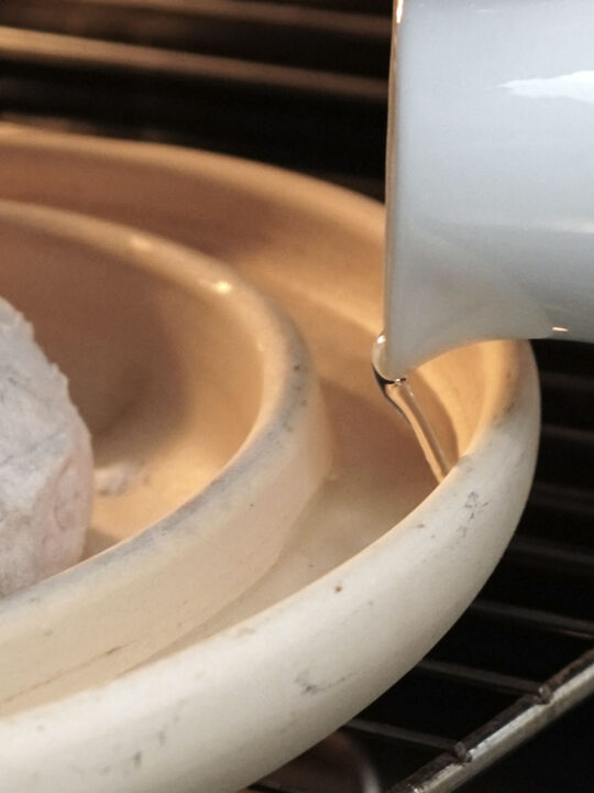 Brotbackplatte mit Wasserrinne